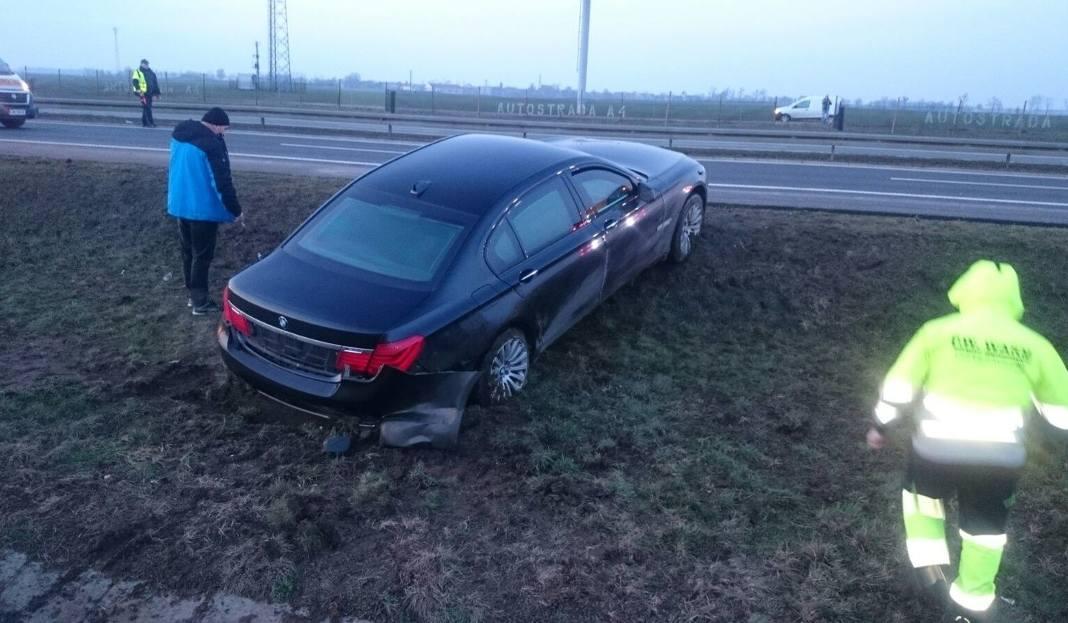 Wypadek prezydenta na A4. W limuzynie Andrzeja Dudy pękła opona