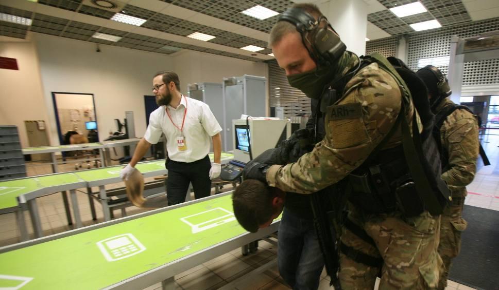 Film do artykułu: COP24 w Katowice Airport. Jakie procedury bezpieczeństwa są na lotnisku w Pyrzowicach? Zobaczcie ćwiczenia WIDEO + ZDJĘCIA