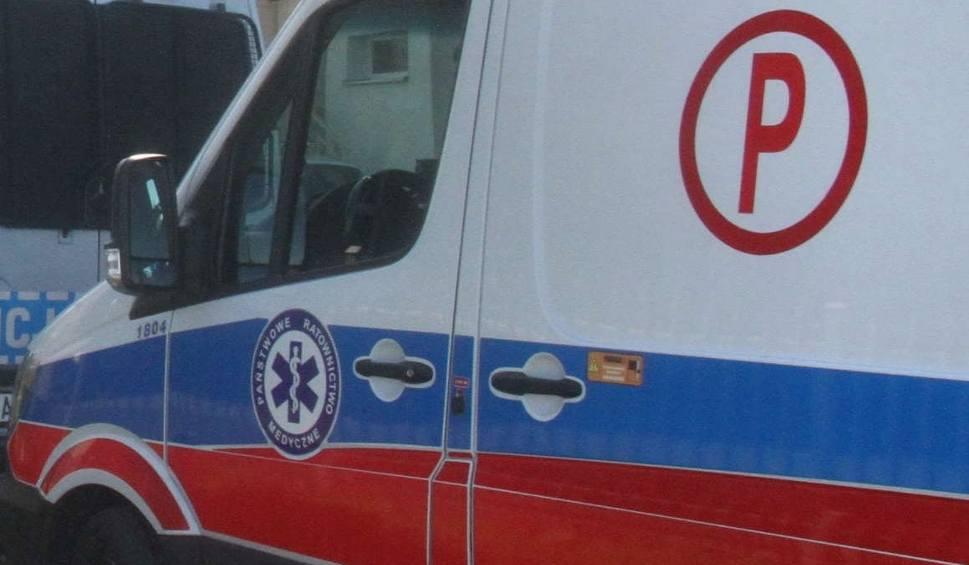 Film do artykułu: Potrójna kraksa na drodze w podbuskiej miejscowości Janina. W wypadku ucierpiały dwie osoby