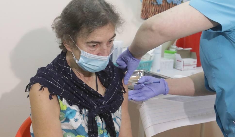 Film do artykułu: Ruszają zapisy na szczepienia przeciw COVID-19. Zobacz, jak to zrobić i gdzie szczepią na Podkarpaciu [PEŁNA LISTA PUNKTÓW]