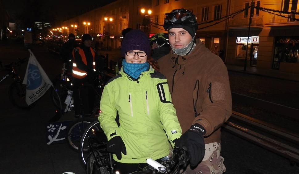 Film do artykułu: Listopadowa Masa Krytyczna. Niska temperatura nie odstraszyła rowerzystów (zdjęcia, wideo)