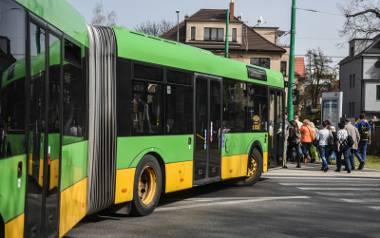 """MPK Poznań: Kierowcy z Ukrainy nie siadają od razu """"za kółkiem"""". Miejski przewoźnik sprawdza ich kwalifikacje"""