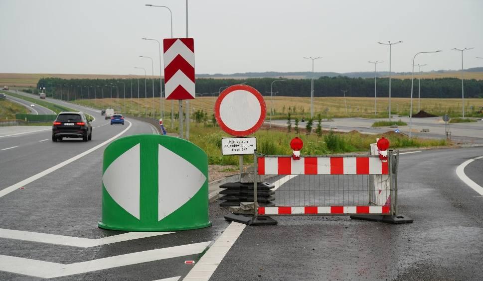 Film do artykułu: Wreszcie! Koniec budowy drogi ekspresowej S7 Chęciny-Jędrzejów [WIDEO, ZDJĘCIA]