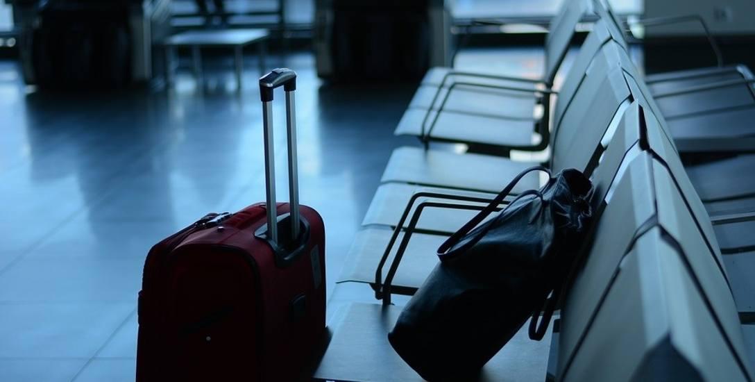 Na dworcu PKS w Gorzowie ktoś zostawił walizki. A gdyby tak w tych walizkach była bomba? - pyta pani Halina