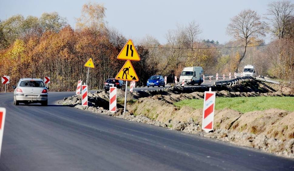 Film do artykułu: Wszystkie inwestycje drogowe w 2020 r. w Lubuskiem. Budowy, remonty i rozbudowy dróg krajowych i wojewódzkich [LISTA, TERMINY]