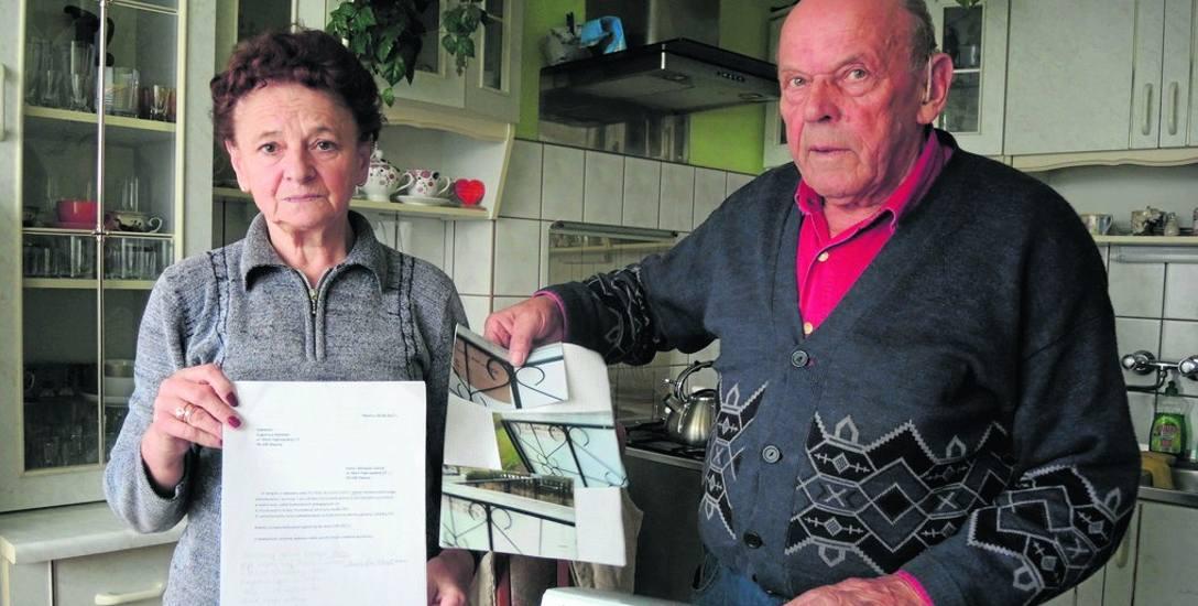 Na zdjęciu Irena i Zdzisław Cebula. Małżeństwo twierdzi, że od lat jest nękane przez swoją sąsiadkę, która według nich jest niebezpieczna