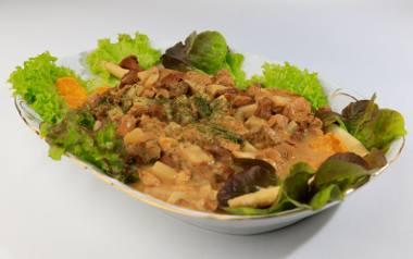 Przepis na eskalopki szparagowe w sosie kurkowym prosto z Kaszczoru