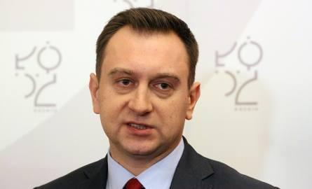 Tomasz Trela, wiceprezydent Łodzi (SLD), odpowiedzialny za edukację twierdzi, że trzeba wzmocnić ofertę mniej popularnych podstawówek, aby rodzice z