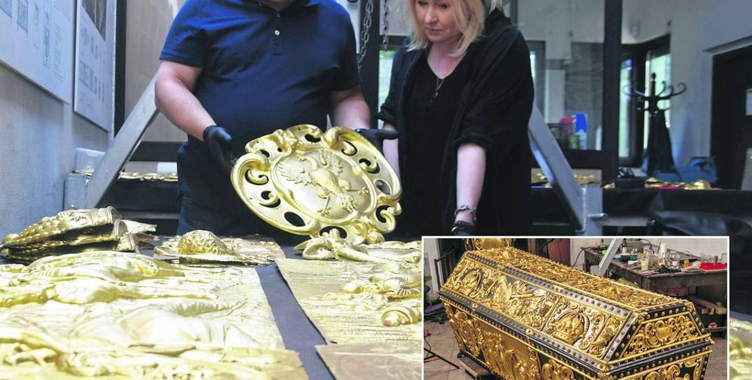 Królewskie sarkofagi z Wawelu odzyskują blask w Tychach