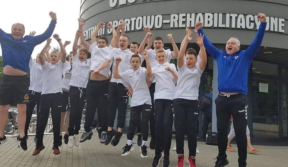 Film do artykułu: Złote medale dla waterpolistów KSZO Ostrowiec na Ogólnopolskiej Olimpiadzie Młodzieży