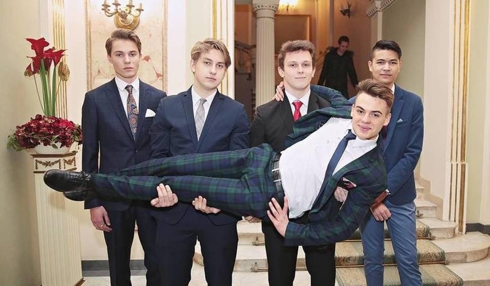 Film do artykułu: Mister studniówki 2019! Najprzystojniejsi maturzyści z Małopolski [ZDJĘCIA]