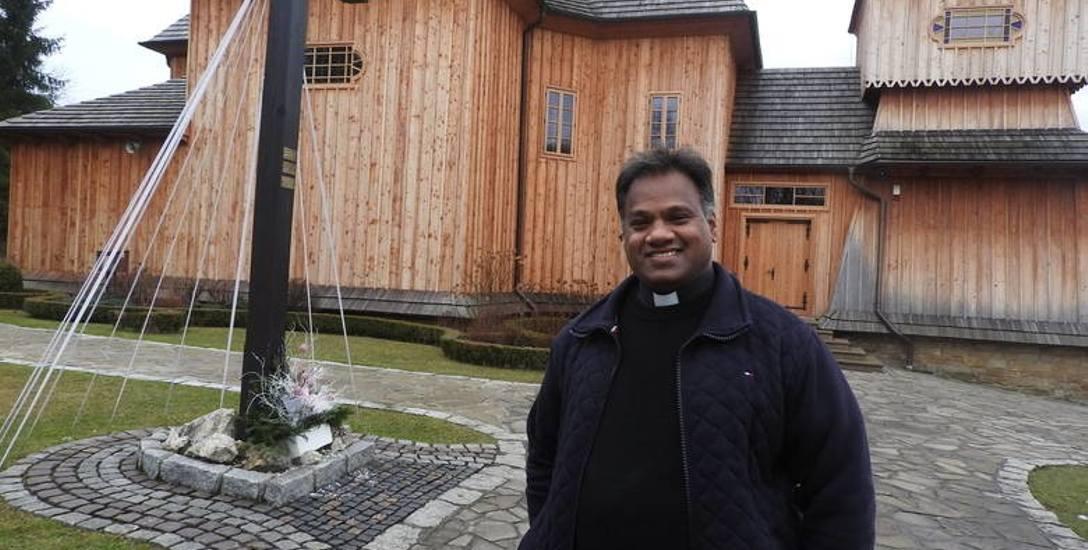Ksiądz z Indii zaskarbił sobie przychylność małej małopolskiej wioski