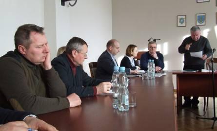 Podczas czwartkowego spotkania Powiatowego Zespołu Zarządzania Kryzysowego prowadzonego przez starostę Jerzego Sudoła zaplanowano kolejne działania w