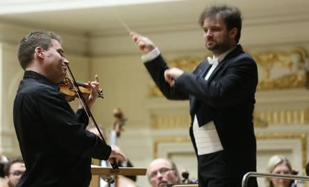 Orkiestra Filharmonii Poznańskiej pod batuta Łukasza Borowicza z solistą Kristofem Barati.