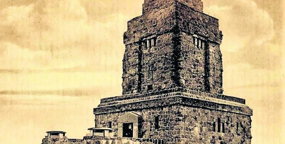 Wieża Bismarcka na Wzgórzu Wolności. Dzisiaj taki klocek chyba mocno by raził bydgoszczan
