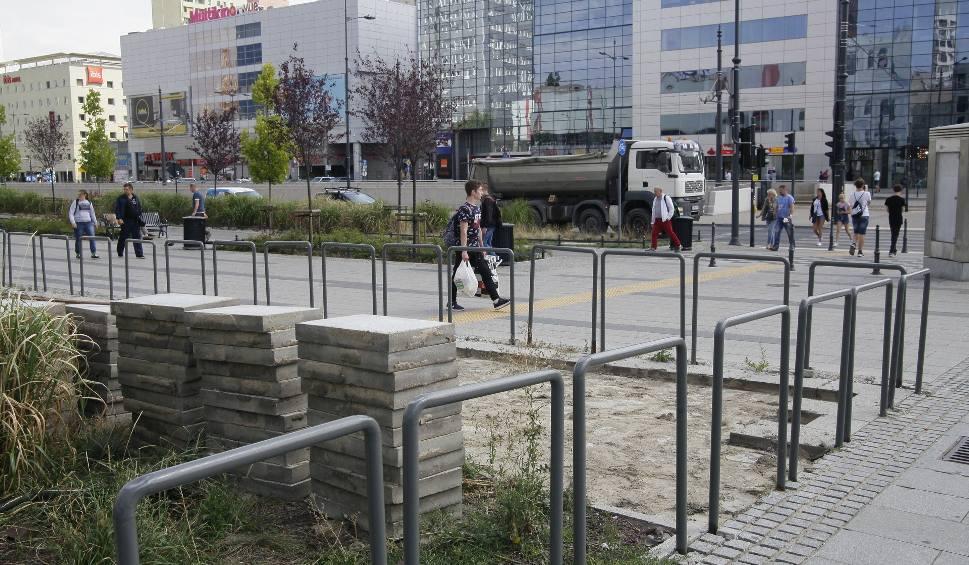 Film do artykułu: Działka Piotra Misztala na Piotrkowskiej. Zamiast hotelu Misztala w centrum Łodzi będzie klepisko? Jakie plany ma wobec działki biznesmen?