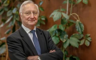 Prof. Jacek Wysocki jest byłym rektorem Uniwersytetu Medycznego w Poznaniu oraz lekarzem pediatrą i specjalistą chorób zakaźnych. Obecnie kieruje Katedrą