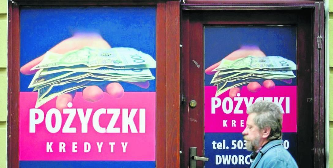 180 milionów zł strat, 75 tysięcy poszkodowanych klientów w kraju, 160 osób z zarzutami - to podsumowanie afery parabankiem Skarbiec