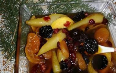 Suszone owoce z likierem na wigilijny stół.