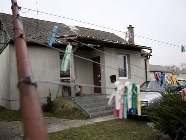 Zabójstwo w Trawnikach. Dziewczynka była w domu, gdy morderca zabijał mamę