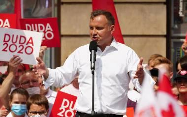 """Andrzej Duda w czasie """"debaty"""" TVP w Końskich przyznał, że nie jest zwolennikiem obowiązkowych szczepień. Później prostował tę wypowiedź,"""