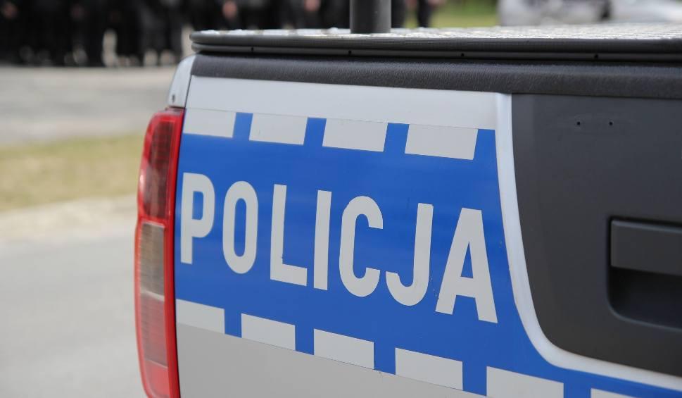 Film do artykułu: Wypadek w Starachowicach: przechodził w miejscu niedozwolonym, potrącił go samochód