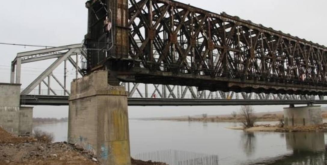 Złom z mostu może nie na wagę złota, ale i tak jest wart miliony