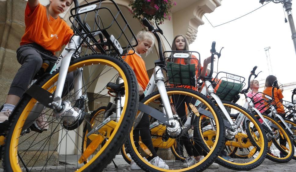 Film do artykułu: Trzy złote za godzinę. Tyle zapłacisz za jazdę nowym rowerem miejskim w Rzeszowie [ZDJECIA, WIDEO]