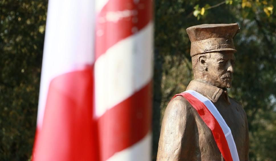 Film do artykułu: Odsłonięto pomnik dowódcy Powstania Wielkopolskiego przy bulwarze Jana Pawła II w Międzyrzeczu [WIDEO, ZDJĘCIA]