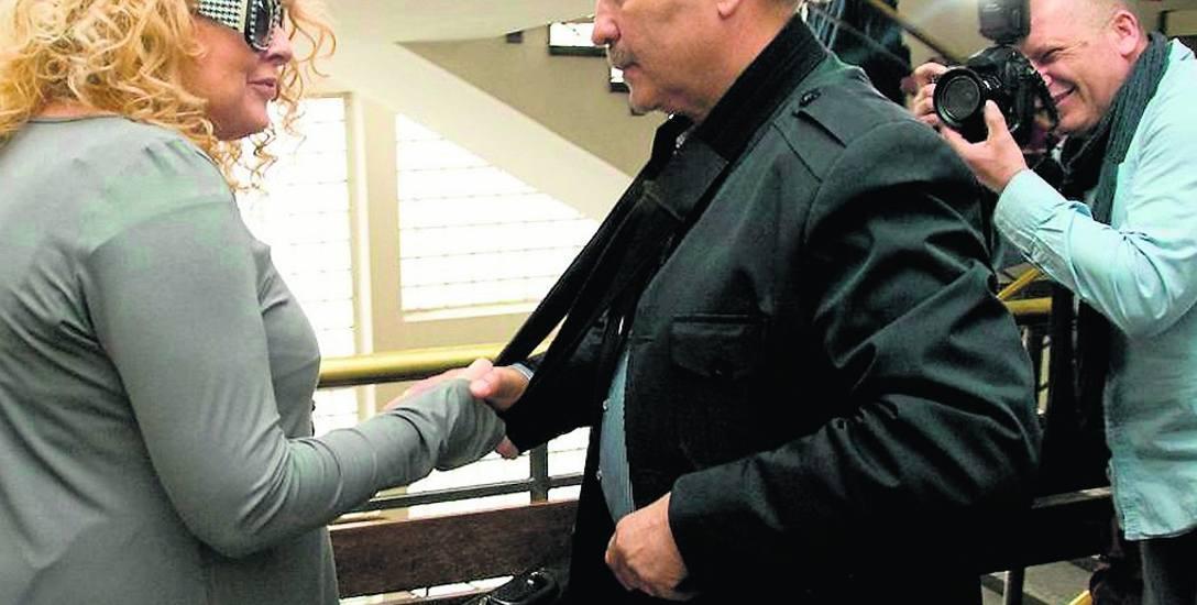 Ten uścisk dłoni należy do przeszłości. Magda Gessler i Mirosław Wawrowski nadal toczą spór