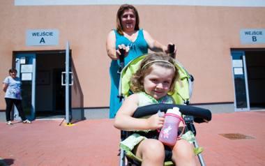 Z córką Emilią do MOPR-u przyszła Anna Maria Kowalska. - 500 plus przeznaczamy na jedzenie, ubrania. Wiem, że zostało to wprowadzone niedawno, ale teraz