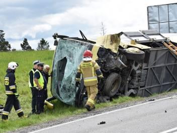 Wypadek na zakopiance. W rejonie Rdzawki autobus zderzył się z busem. Nie żyje jedna osoba 20 05