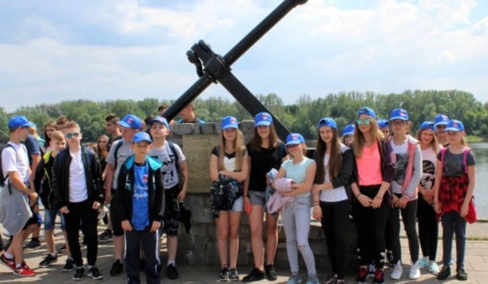 Film do artykułu: W gminie Ciepielów uczniowie klas szóstych wyjechali na bezpłatną zieloną szkołę na Wybrzeże. Zwiedzą wiele miast, muzeów i atrakcji