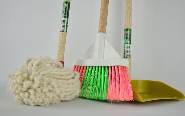 Utrzymywanie akcesoriów do sprzątania w czystości jest istotne ze względu na higienę oraz estetykę.