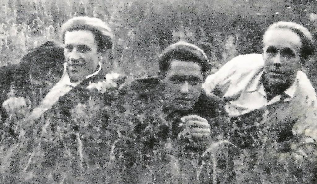 Od lewej: Sergiusz Jackowski, kolega Hryhorowicz i Bolesław Jackowski. Sielankowo. I te fryzury!