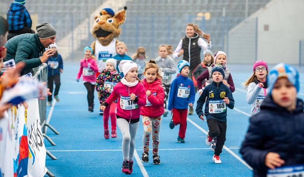 Film do artykułu: Półmaraton Bydgoski 2018 - na starcie stanęły także dzieci [zdjęcia]