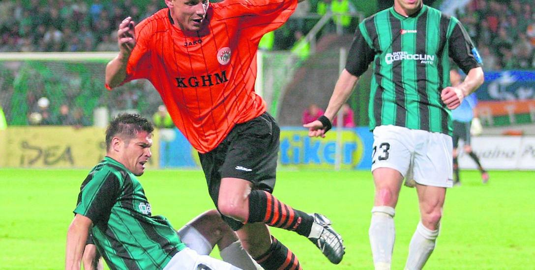 Piotr Piechniak (z lewej) był podporą Groclinu. Gdy klub walczył o utrzymanie, i gdy zdobywał trofea
