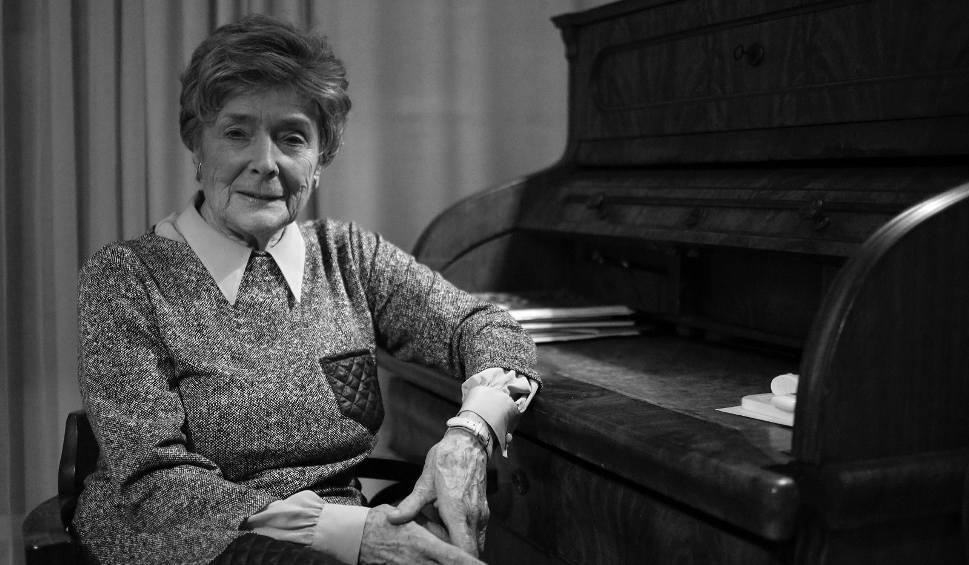 """Film do artykułu: Olga Krzyżanowska nie żyje. """"Pierwsza dama polskiego parlamentaryzmu"""" zmarła w wieku 88 lat"""
