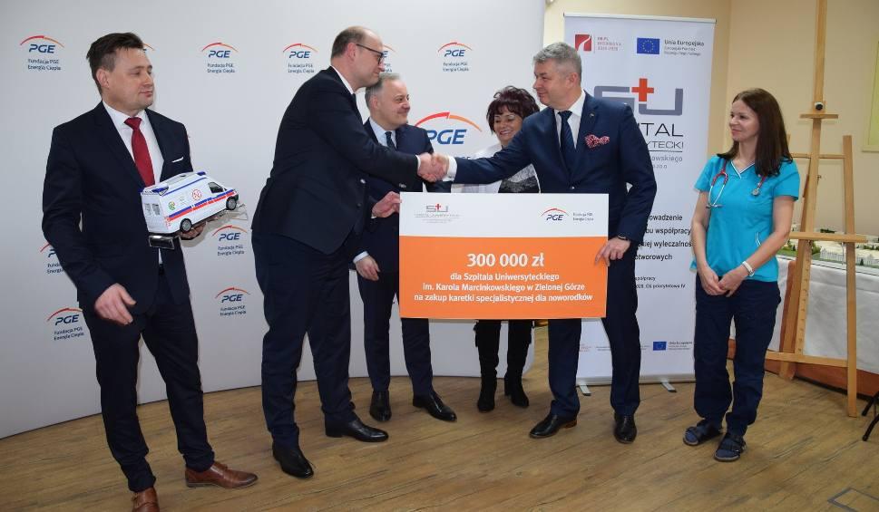 Film do artykułu: Zielona Góra. Fundacja PGE Energia Ciepła przekazała 300 tys. zł na zakup karetki dla szpitala [WIDEO, ZDJĘCIA]