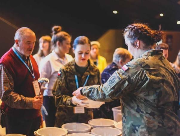 W Międzynarodowym Centrum Kongresowym w Katowicach odbyło się Metropolitalne Śniadanie Wielkanocne dla Samotnych. Wzieło w nim udział 3 tys. osób.