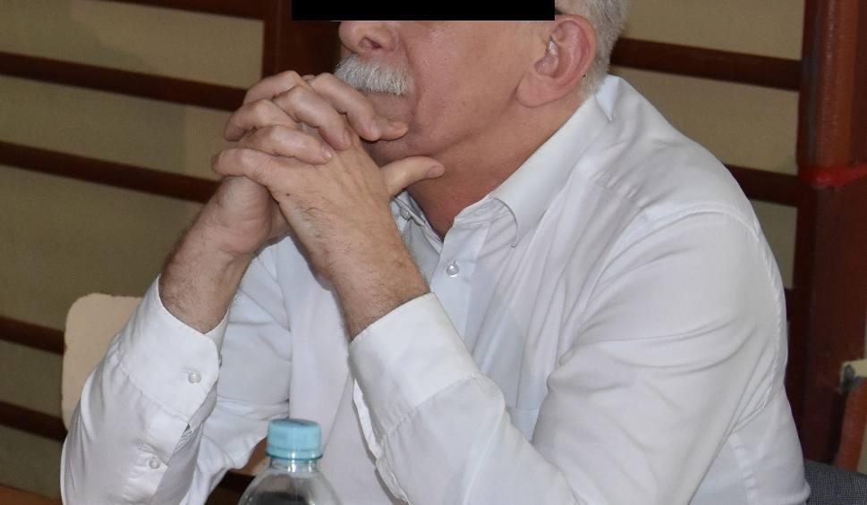 Film do artykułu: Wiceprezydent Częstochowy z zarzutem nieudzielenia pomocy 10-latkowi. Mirosław S. nie przyznaje się do winy