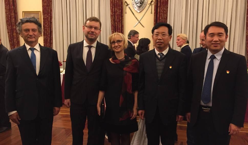 Film do artykułu: Prof. Edward Wylęgała pomoże w rozwoju ... chińskiej prowincji