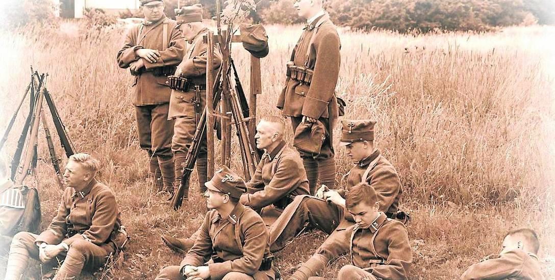 Wypożyczenie mundurów historycznych stanowi znaczną część kosztów widowiska