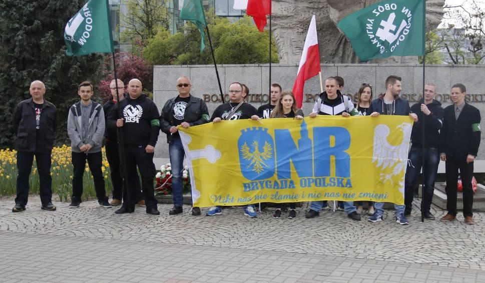 Film do artykułu: Antyunijna manifestacja na placu Wolności w Opolu [wideo]