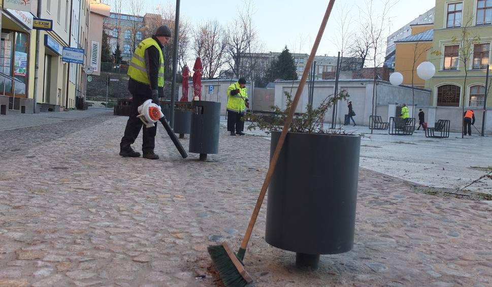 Film do artykułu: Opole: Wielka akcja sprzątania Małego Rynku