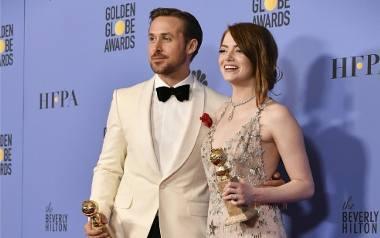 """Emma Stone i Ryan Gosling - laureaci statuetek dla najlepszej aktorki i aktora za role w filmie """"La la land"""", który został nagrodzony"""