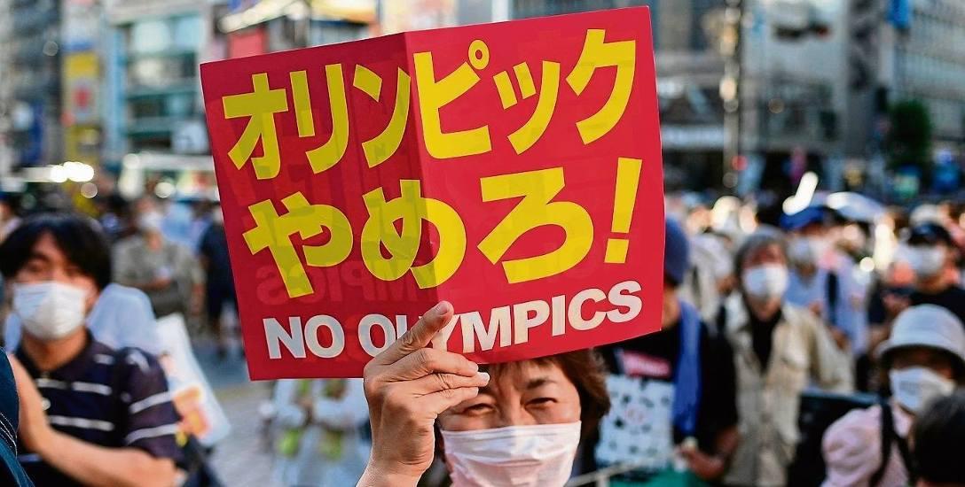Japończycy niespecjalnie cieszą się z igrzysk. Choć zawody trwają, na ulicach wciąż można spotkać protestujących