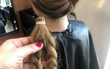 Ścięte włosy oddawane są na peruki dla chorych na raka.