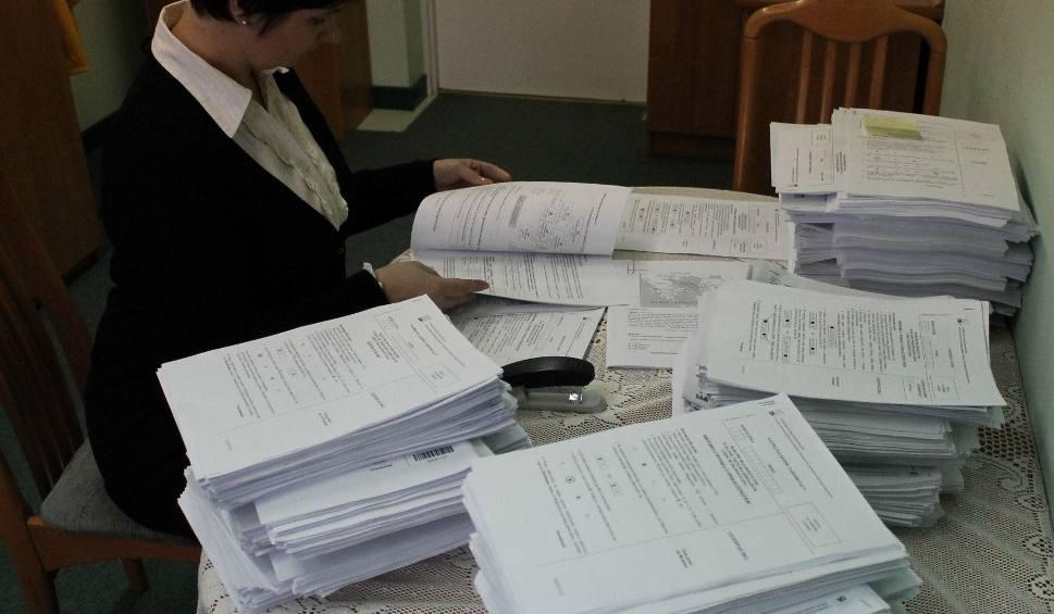 Film do artykułu: Egzamin gimnazjalny w powiecie przysuskim. Sprawdź wyniki w gminach!