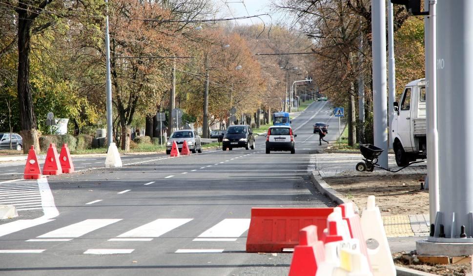 Film do artykułu: Na Drogę Męczenników Majdanka wracają auta (ZDJĘCIA)